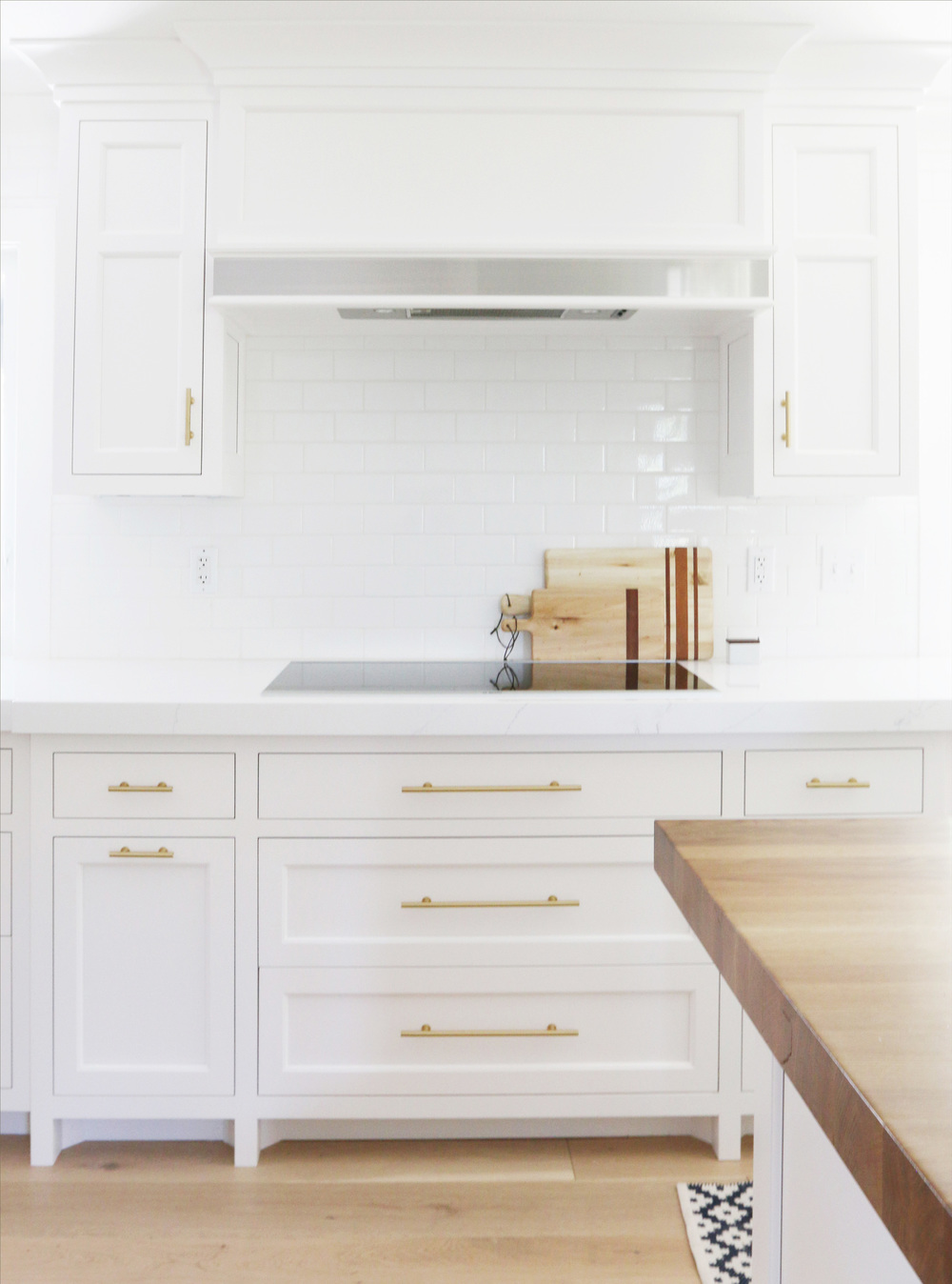Cabinet+details+and+brass+hardware+--+Studio+McGee